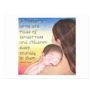 Postal inspirada de los brazos de una madre
