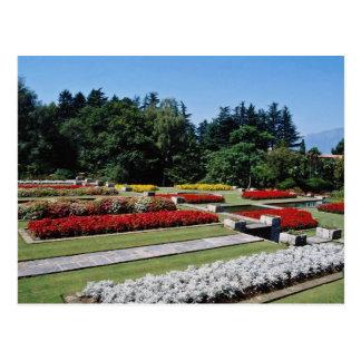 Postal Jardines botánicos rojos del chalet Tranto en el