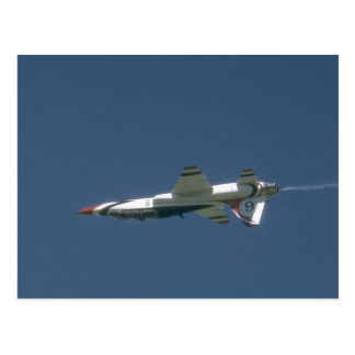 Postal Jet de Thunderbird T-38 upside-down
