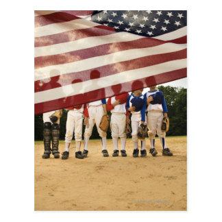 Postal Jugadores de béisbol jovenes ocultados