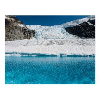 Postal Juneau Icefield Icefall y lago glacial estupendo