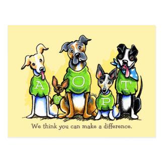 Postal La camiseta del verde del beneficio de la adopción