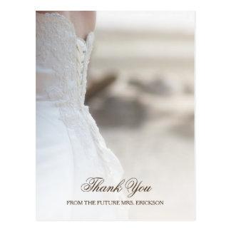 Postal La ducha nupcial elegante del vestido de boda de