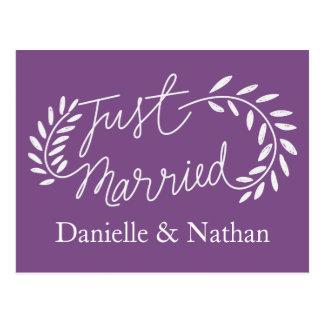 Postal La púrpura acaba de casar casarse blanco de las