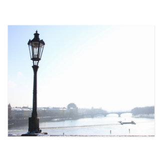 Postal Lamppost en el puente de Charles (Praga)