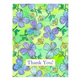 Postal Las abejas de las flores del azul del bígaro le