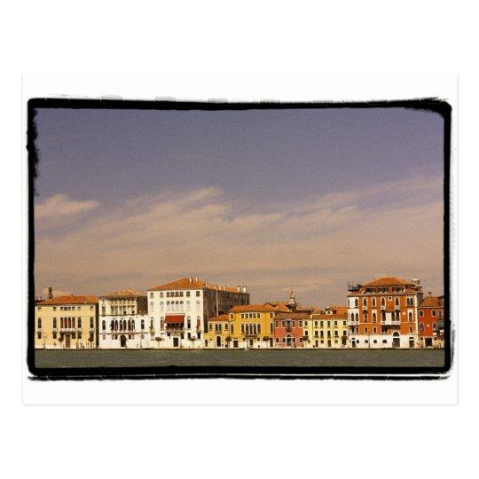 Postal Las casas de la costa, Venecia, Italia