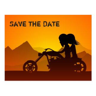 Postal Las montañas de la motocicleta ahorran el boda de