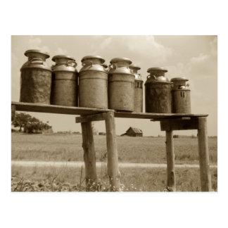 Postal Latas de la leche del vintage