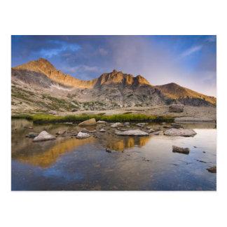 Postal Los E.E.U.U., Colorado, montaña rocosa NP.  Nubes