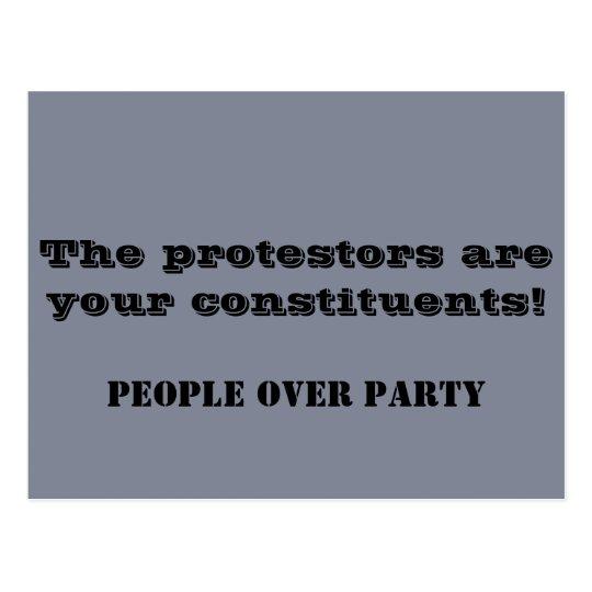 Postal ¡Los manifestantes son sus componentes! Político