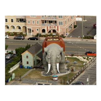 Postal Lucy el elefante