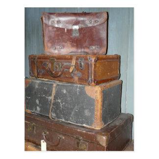 Postal Maletas del vintage - pilas de equipaje