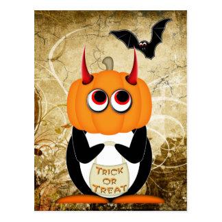 Postal malvada de Halloween del pingüino