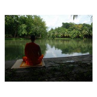 Postal Meditación por el lago