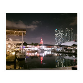 Postal Mercado de Bayside Miami