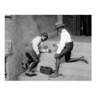 Postal Muchachos negros que tiran las mierdas 1901