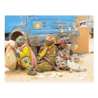 Postal Mujeres de Malí en el mercado de lunes, Djenne