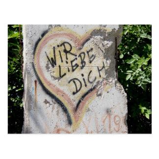 Postal Muro de Berlín - le amamos