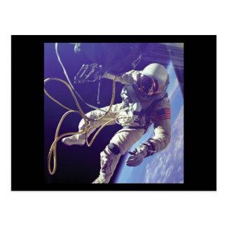 Postal NASA americana del caminante del espacio de Edward