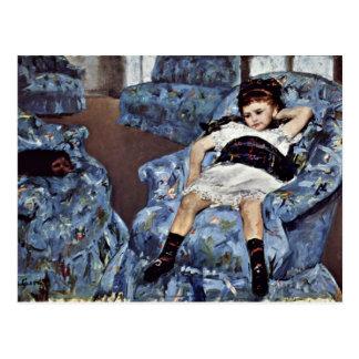 Postal Niña en butaca azul de Cassatt Maria (mejor