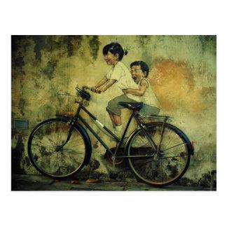 Postal/niños del arte de la calle en la postal