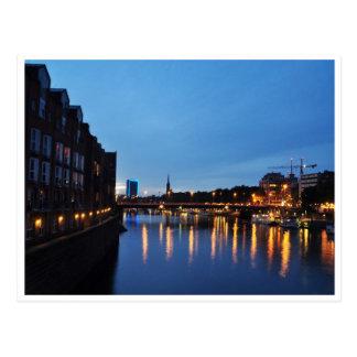 Postal Noche con el río