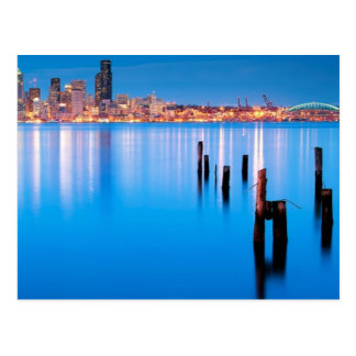 Postal Opinión azul de la hora de Seattle céntrica