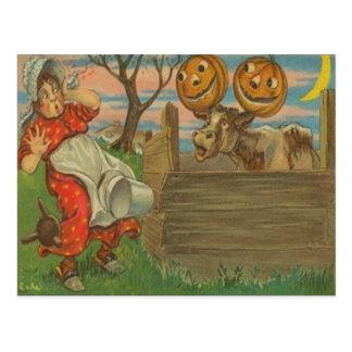 Postal Ordeño de la granja de la vaca de la luna de la