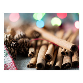 Postal Palillos de canela en el ajuste festivo