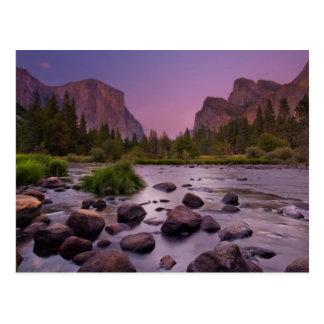 Postal Parque nacional de Yosemite en la oscuridad