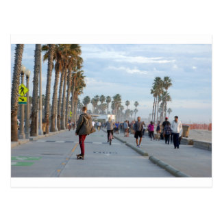 Postal patinaje a la playa de Venecia