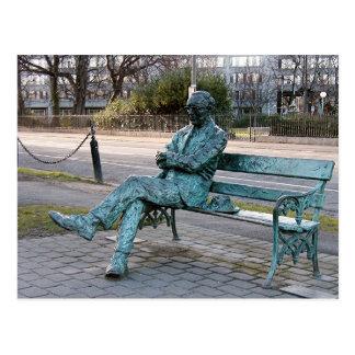 Postal Patrick Kavenagh - escultura irlandesa del poeta