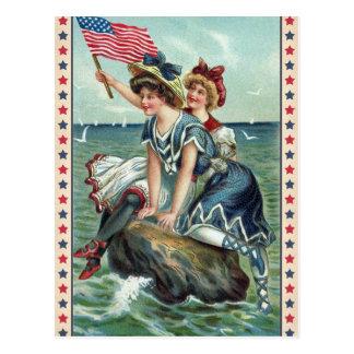 Postal patriótica de las mujeres de la playa del