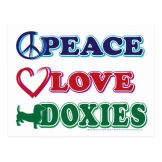 Postal Perro de patas muy cortas de los Paz-Amor-Doxies