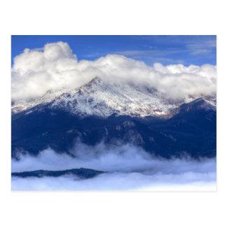 Postal Pico de los lucios con las nevadas y las nubes