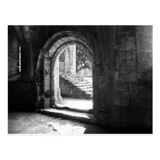 Postal piedra-escalera-en-fuente-abadía