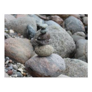 Postal Piedras a Mar Báltica, apilado, equilibrio de