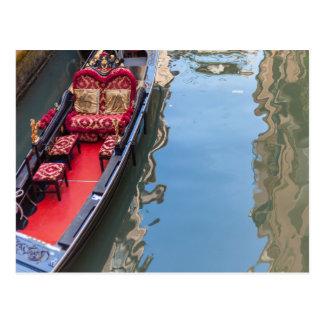 Postal Postacard de un barco de la góndola en Venezia,