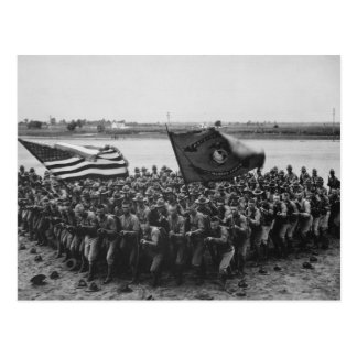 Postal Primero para luchar - infantes de marina de los