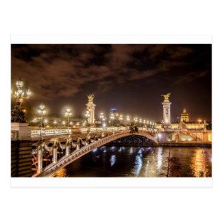Postal Puente de Alexander 3 en París Francia en la noche