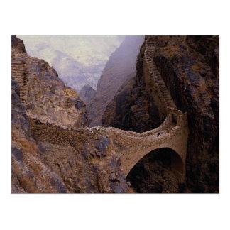 Postal Puente de Shahara, abismo de 9000 pies, Yemen