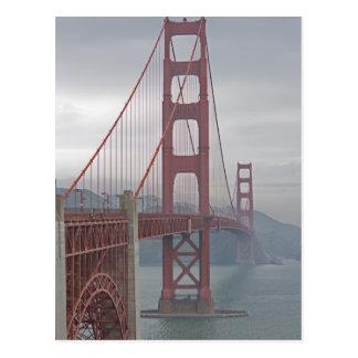 Postal Puente Golden Gate en niebla
