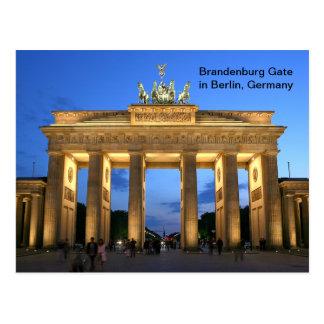 Postal Puerta de Brandeburgo en Berlín, Alemania en la