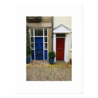 Postal Puertas rojas y azules de la fotografía holandesa