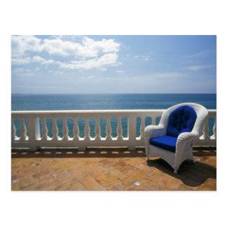Postal Puerto Rico. Silla de mimbre y terraza tejada en