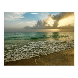 Postal Puesta del sol en una playa de Ana Maria