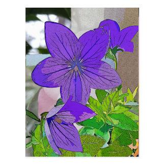 Postal púrpura de la flor, violeta, tres flores