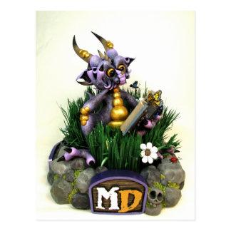 Postal púrpura del dragón de la lectura del MD