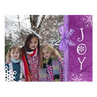 Postal Púrpura personalizada de la alegría del navidad de